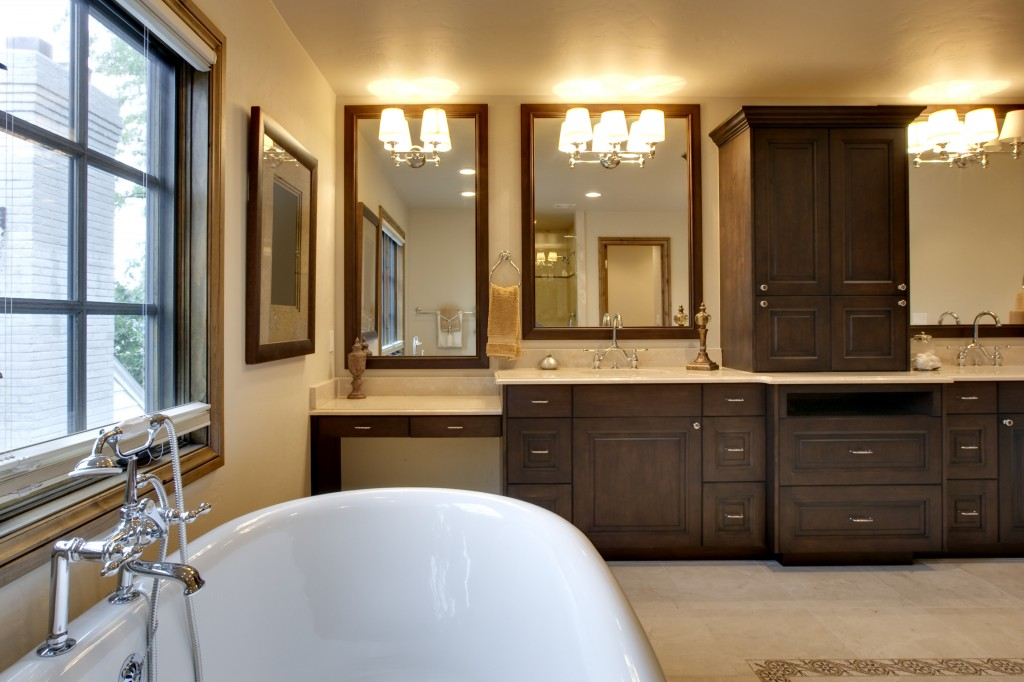 Traditional Bathroom Cabinetry